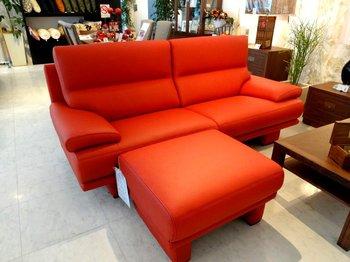 真っ赤なソファ