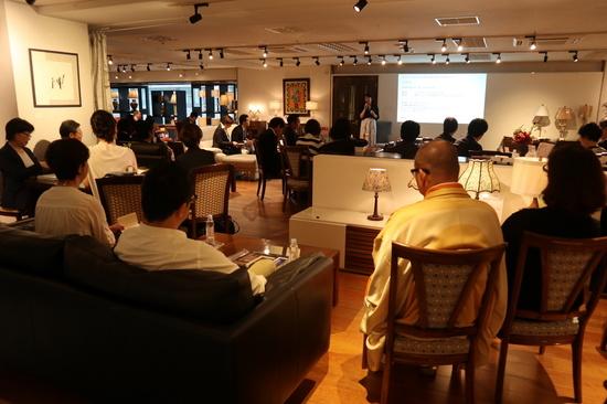 刊行記念トークセッション・・・多くの方にご参加いただきました