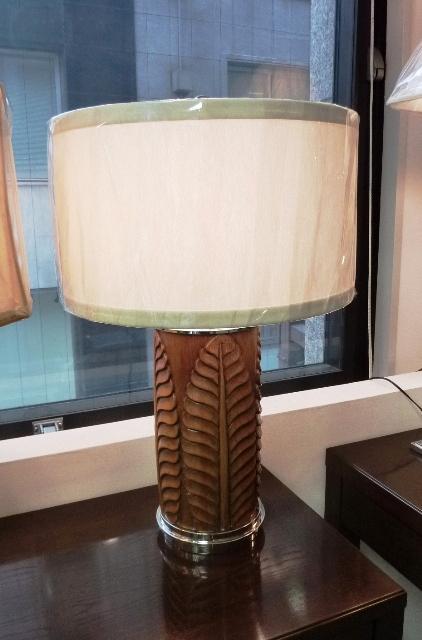 ウッド製テーブルランプ